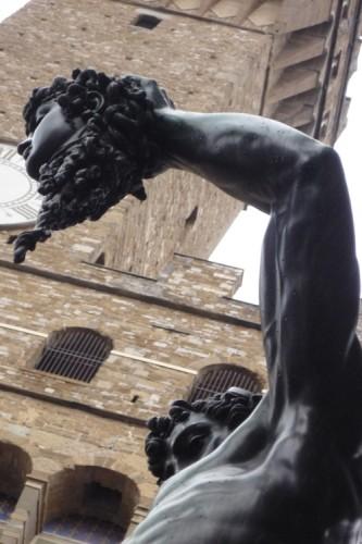 366 réels à prise rapide,persée tenant la tête de méduse,piazza della signora